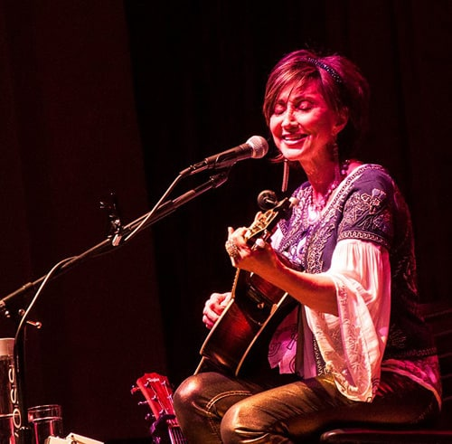 Grammy-Winning Country Star Pam Tillis brings her Trio to Cave Big Bear